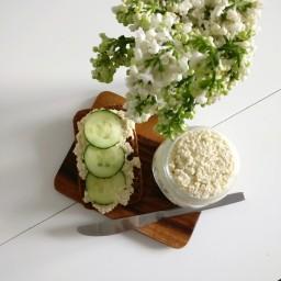 Vegaaninen ricotta-juusto